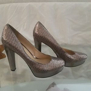 Enzo Angiolini 5in Silver Metallic Sparkle Heels